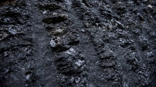 Pécs, 2014. december 4. Külszíni fejtés a Dalkia Energia Zrt. tulajdonában lévõ Pannon Hõerõmû Zrt. újraindított pécs-vasasi szénbányájában 2014. december 4-én. MTI Fotó: Sóki Tamás