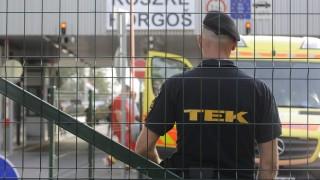 Röszke, 2015. szeptember 16. Terrorelhárítási Központ (TEK) egyik tagja a Röszke-Horgos határátkelõhely magyar oldalán 2015. szeptember 16-án. MTI Fotó: Kelemen Zoltán Gergely