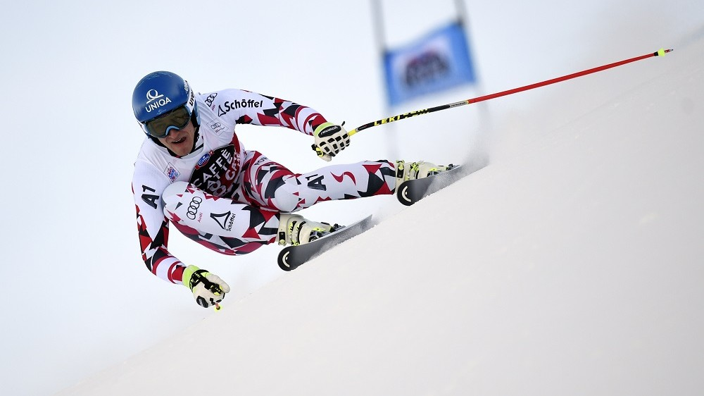 Matthias Mayer of Austria competes in the FIS Alpine Skiing World Cup Men's Super G on December 18, 2015 in Val Gardena, northern Italy.  AFP PHOTO / OLIVIER MORIN / AFP / OLIVIER MORIN