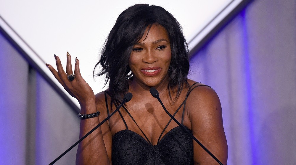 US Tennis player Serena Williams speaks after receiving the Sports Illustrated Sportsperson of the Year trophy during a ceremony in New York on December 15, 2015.  AFP PHOTO/JEWEL SAMAD / AFP / JEWEL SAMAD