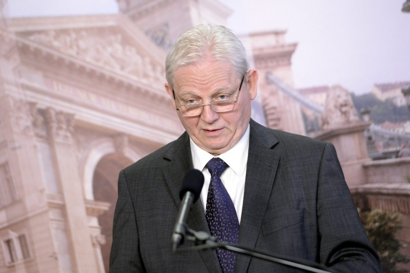 Budapest, 2015. december 22. Tarlós István fõpolgármester sajtótájékoztatót tart a Városházán 2015. december 22-én. MTI Fotó: Kovács Tamás