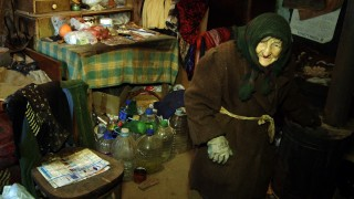 Marija Zlatic, 86, is seen in her house in the remote mountainous area of the eastern Serbian town of Boljevac on January 21, 2016.  A 86-year old hermit from eastern Serbia has become a millioner overnight being granted inheritance from Australia five years after her husband passed away. Following a years-long search by her neighbour, Marija Zlatic, who lives in a mud hut in a remote mountainous area of the eastern town of Boljevac, has received 940,000 Australian dollars (610,000 euros, $660,000), left behind her late husband Momcilo, who died in 2011, Vecernje Novosti daily reported.  / AFP / STRINGER