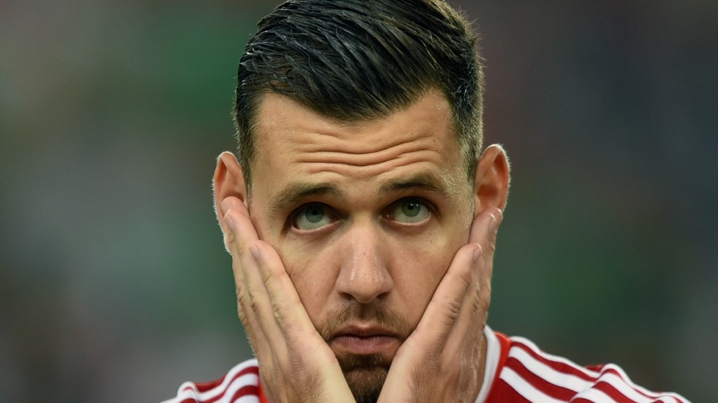 Hungary's forward Adam Szalai looks on prior to the UEFA 2016 European Championship qualifying round Group F football match Hungary vs Romania at the Groupama Arena  in Budapest on September 4, 2015.   AFP PHOTO / ATTILA KISBENEDEK / AFP / ATTILA KISBENEDEK