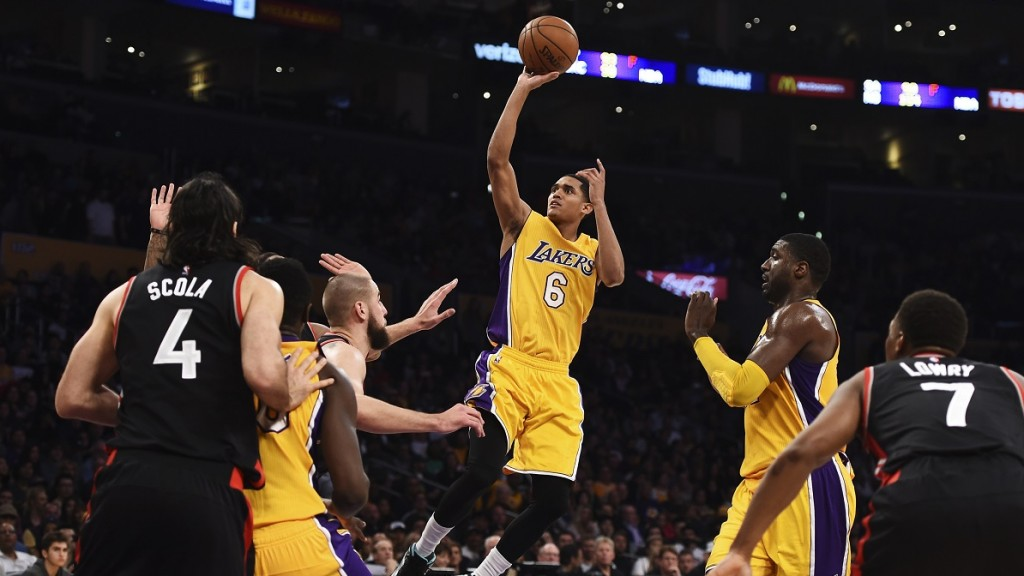 Jordan Clarkson (6) of the Los Angeles Lakers shoots against the Toronto Raptors during their NBA match up, November 20, 2015 at Staples Center in Los Angeles, California. AFP PHOTO / ROBYN BECK / AFP / ROBYN BECK