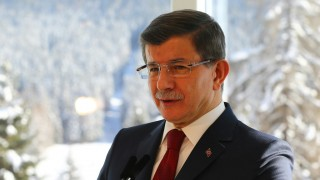 DAVOS, SWITZERLAND - JANUARY 21: Turkish Prime Minister Ahmet Davutoglu delivers a speech during a press conference in Davos, Switzerland on January 21, 2016. Hakan Goktepe / Anadolu Agency
