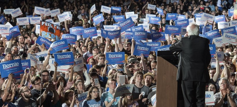US Democratic presidential candidate, Senator Bernie Sanders delivers remarks during a campaign rally in Manassas, Virginia on September 14, 2014. AFP PHOTO/PAUL J. RICHARDS / AFP / PAUL J. RICHARDS
