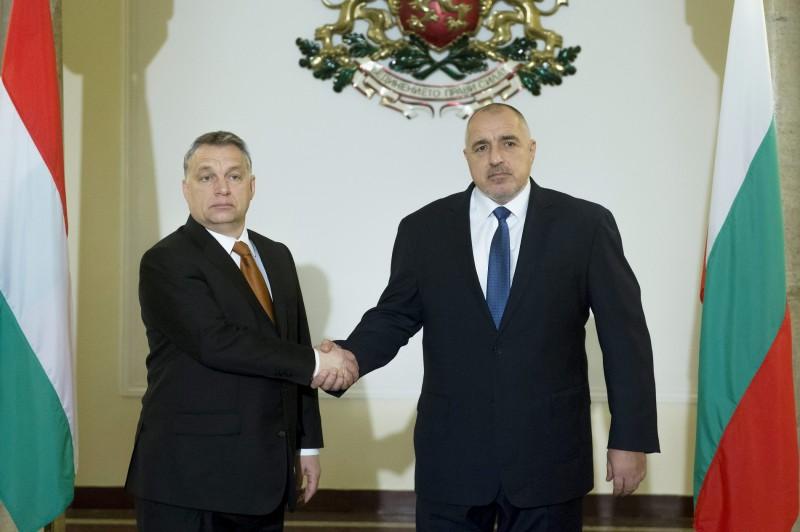 Szófia, 2016. január 29. Bojko Boriszov bolgár miniszterelnök (j) fogadja Orbán Viktor kormányfõt Szófiában 2015. január 29-én. MTI Fotó: Koszticsák Szilárd