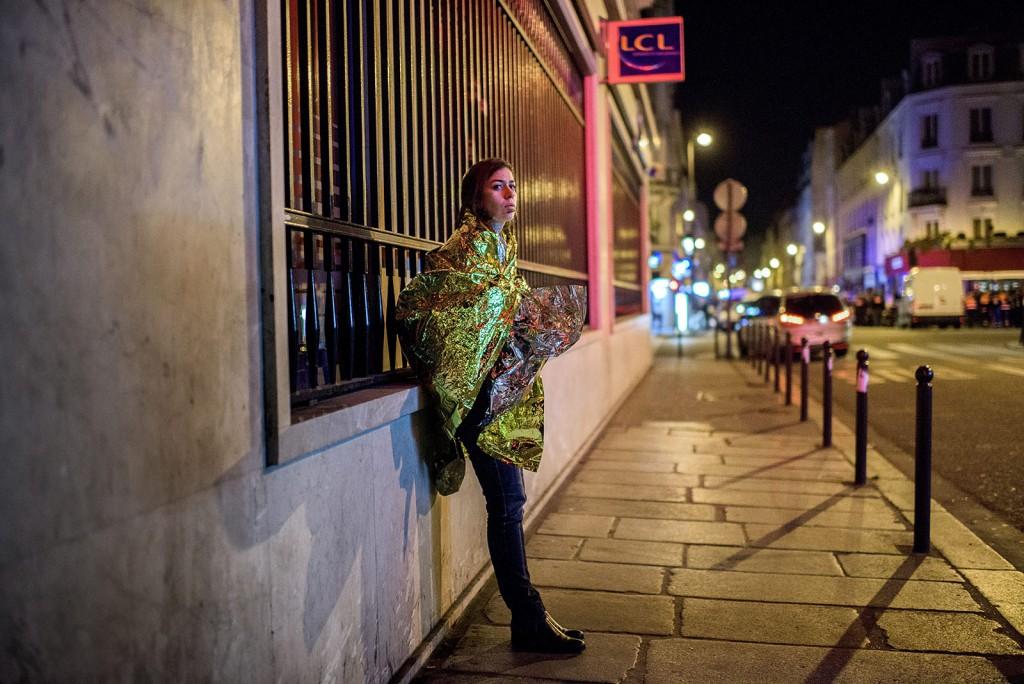 Budapest, 2016. január 25.Egy felvétel Bődey János, az index.hu fotóriportere Sokkolta Párizst a terror éjszakája című sorozatából amely első díjat nyert a 34. Magyar Sajtófotó Pályázat képriport kategóriájában 2016. január 25-én.MTI Fotó: Magyar Sajtófotó Pályázat / Bődey János