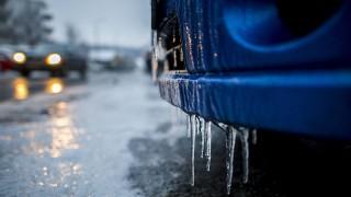 Pécs, 2016. január 6.Autóra fagyott ónos eső Pécsen 2016. január 6-án.MTI Fotó: Sóki Tamás