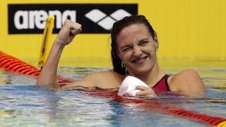 Netánja, 2015. december 4. Hosszú Katinka, miután megnyerte a netánjai rövidpályás úszó Európa-bajnokság nõi 100 méteres vegyesúszásának döntõjét 2015. december 4-én. (MTI/EPA/Abir Szultan)