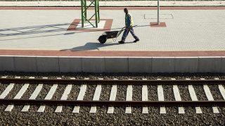 Pilisvörösvár, 2015. április 10.Az épülő pilisvörösvári vasútállomás a Budapest-Esztergom vasútvonal rekonstrukciója során 2015. április 10-én.MTI Fotó: Mohai Balázs