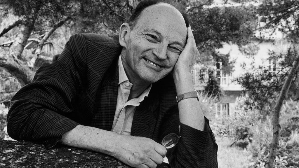 L'ecrivain francais Michel TOURNIER a Cassis en 1992.