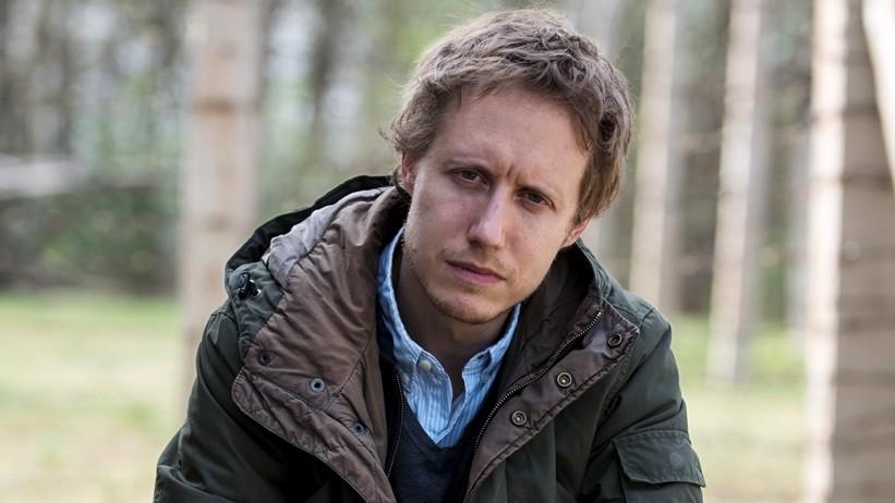 Nemes Jeles László, a 68. cannes-i filmfesztivál versenyprogramjába beválogatott Saul fia című film rendezője, 2015. április 17-én a film forgatási helyszínén, a Mafilm fóti telepén, az auschwitzi díszletben.