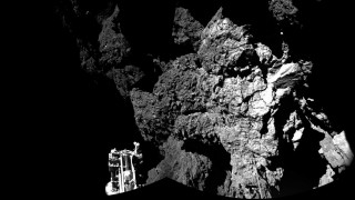 """HANDOUT - The panoramic view created from the first two CIVA images, released on 13.11.2014 by ESA, confirms that Rosetta""""s lander Philae is safely on the surface of Comet 67P/Churyumov-Gerasimenko. One of the lander's three feet can be seen in the foreground. ATTENTIONEDITORS: Image for editorial use only in connection with the correct mention of the source: «ESA/Rosetta/Philae/CIVA». EDITORIALUSEONLY"""