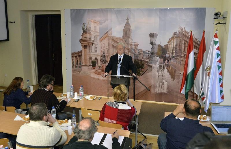Budapest, 2016. január 22.Tarlós István főpolgármester sajtótájékoztatót tart a Városházán 2016. január 22-én.MTI Fotó: Máthé Zoltán