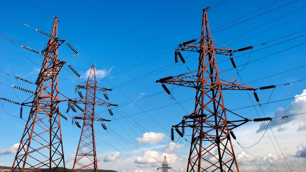 2773471 01/14/2016 High-voltage electricity transmission lines along the Simferopol - Sevastopol highway near Inkerman. Sergey Malgavko/Sputnik