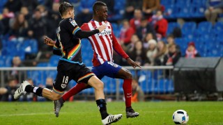 MADRID, SPAIN - JANUARY 14 :  Jackson Martinez of Atletico de Madrid (R) vies with Ze Castro of Rayo Vallecano de Madrid (L) during the Copa del Rey Round of 16 second leg match between Club Atletico Madrid and Rayo Vallecano de Madrid at Vicente Claderon stadium on January 14, 2016 in Madrid, Spain. Burak Akbulut / Anadolu Agency