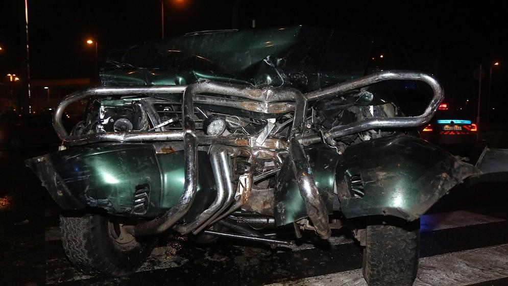 Miskolc, 2016. február 18. Ütközésben összetört autó Miskolcon, a 3-as számú fõúton 2016. február 18-án. A két autó balesetben egy személy életét vesztette, egy másik ember könnyebben megsérült. MTI Fotó: Vajda János