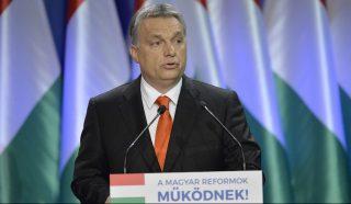 Budapest, 2016. február 28. Orbán Viktor miniszterelnök hagyományos évértékelõ beszédét tartja a Várkert Bazárban 2016. február 28-án. MTI Fotó: Koszticsák Szilárd