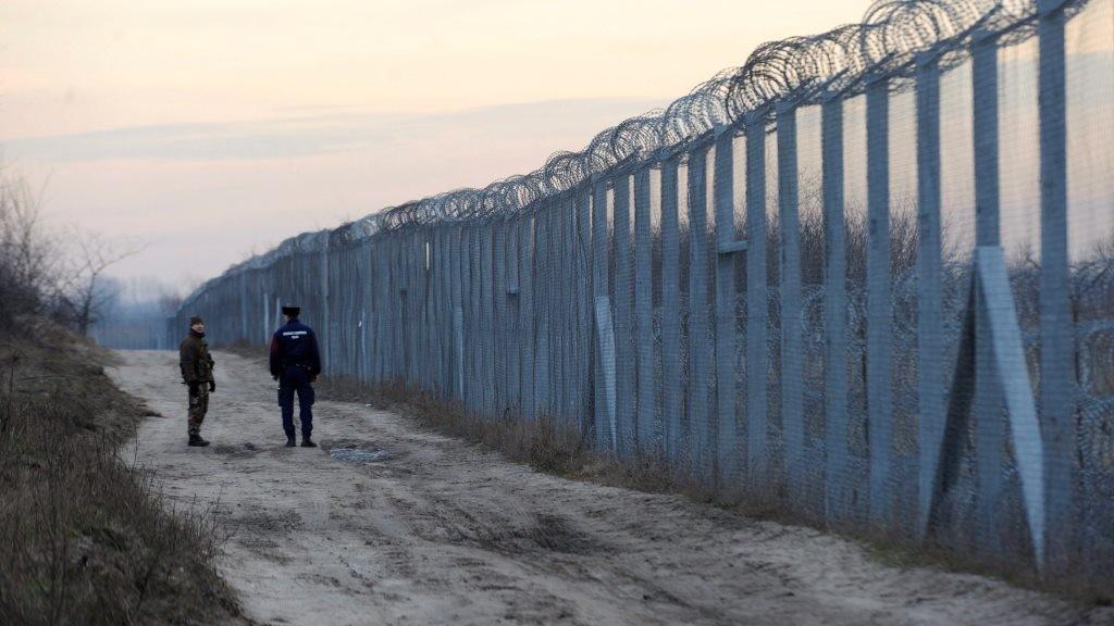 Illegális bevándorlás - Növelték a rendőri létszámot a magyar-szerb határnál