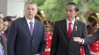 Jakarta, 2016. február 1. Orbán Viktor miniszterelnököt (b) fogadja Joko Widodo indonéz elnök a jakartai Merdeka Palotában 2016. február 1-jén. (MTI/EPA/Adi Weda)