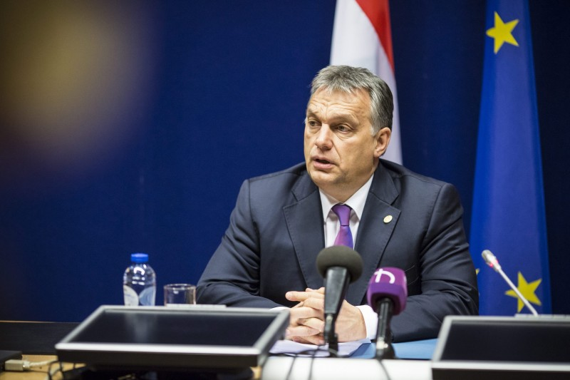 Brüsszel, 2016. február 20. A Miniszterelnöki Sajtóiroda által közreadott képen Orbán Viktor miniszterelnök sajtótájékoztatót tart az EU-tagországok állam- és kormányfõinek kétnapos brüsszeli csúcstalálkozója végén 2016. február 19-én. MTI Fotó: Miniszterelnöki Sajtóiroda / Szecsõdi Balázs