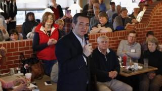 Seneca, 2016. február 17. A Republikánus Párt 2016-os elnökjelöltségére pályázó Ted Cruz texasi szenátor beszél egy kampányrendezvényen a Dél-Karolina állambeli Seneca város egyik éttermében 2016. február 17-én, három nappal az államban kezdõdõ hivatalos jelölõgyûlés elõtt. (MTI/AP/Paul Sancya)