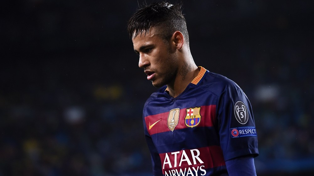 Barcelona's Brazilian forward Neymar looks on during the UEFA Champions League Round of 16 second leg football match FC Barcelona vs Arsenal FC at the Camp Nou stadium in Barcelona on March 16, 2016.  / AFP / JOSEP LAGO