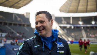 Hertha's Hungarian head coach Pal Dardai is seen during warm up prior to the German Bundesliga first division football match between Hertha BSC vs FC Ingolstadt 04 in Berlin, Germany, on March 19, 2016. / AFP / ODD ANDERSEN / RESTRICTIONS: DURING MATCH TIME: DFL RULES TO LIMIT THE ONLINE USAGE TO 15 PICTURES PER MATCH AND FORBID IMAGE SEQUENCES TO SIMULATE VIDEO. == RESTRICTED TO EDITORIAL USE == FOR FURTHER QUERIES PLEASE CONTACT DFL DIRECTLY AT + 49 69 650050
