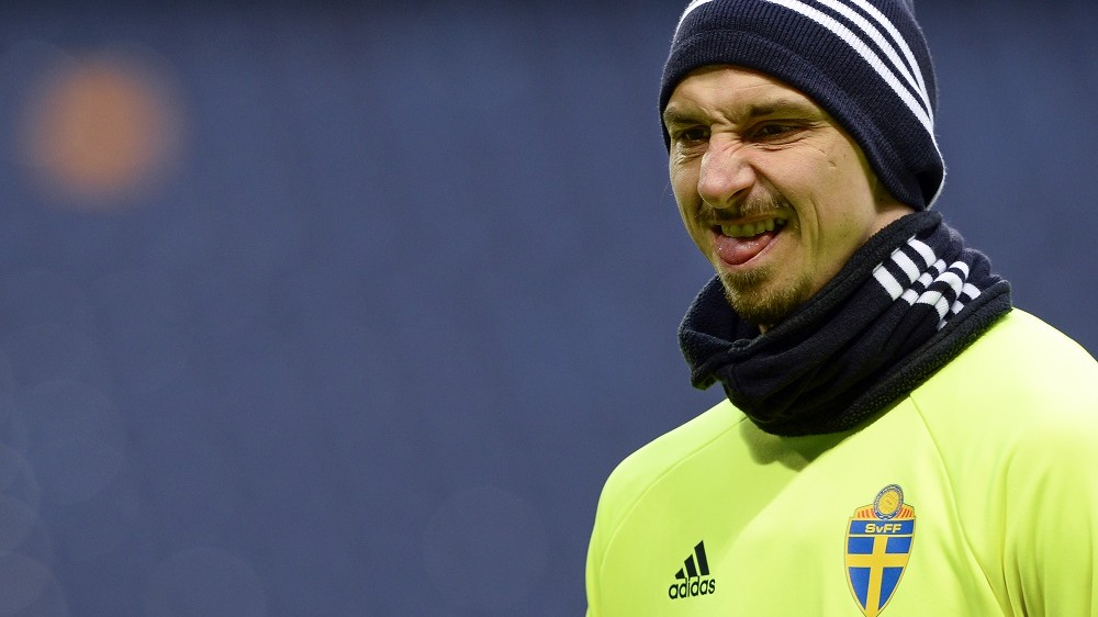 Sweden's forward Zlatan Ibrahimovic attends a training session on the eve of the friendly football match between Sweden and Czech Republic at Friends arena on March 28, 2016 in Solna. / AFP / JONATHAN NACKSTRAND