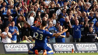 Leonardo Ulloa of Leicester celebrates scoring his sides third goal with Leicester fans but the goal is disallowed later by Referee Mark Clattenburg during the Barclays English championship football, Premier League match between Norwich City v Leicester City on October 3, 2015 at the Carrow Road Stadium , Norwich, England - Photo Michael Zemanek / Backpage Images / DPPI