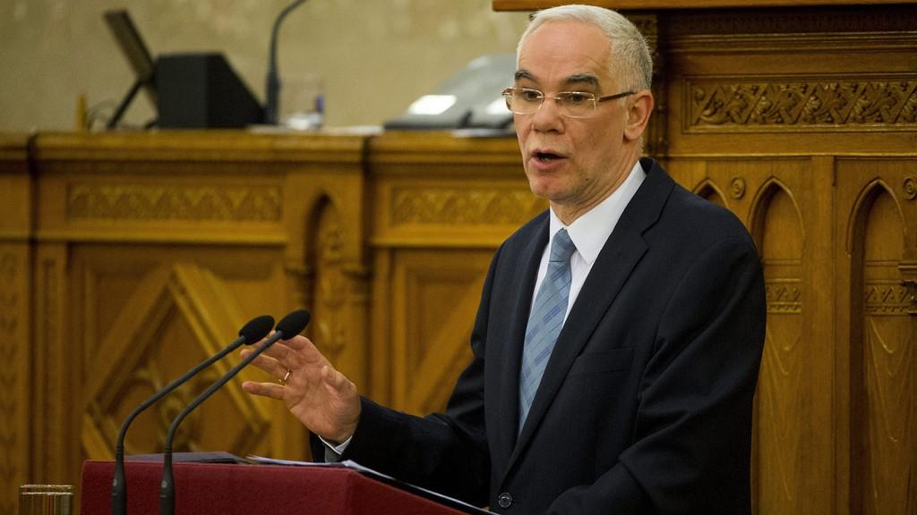 Budapest, 2016. március 1.Balog Zoltán, az emberi erőforrások minisztere felszólal a közoktatás állapotáról szóló vitanapon, az Országgyűlés plenáris ülésén 2016. március 1-jén. A vitanapot az MSZP kezdeményezte.MTI Fotó: Illyés Tibor