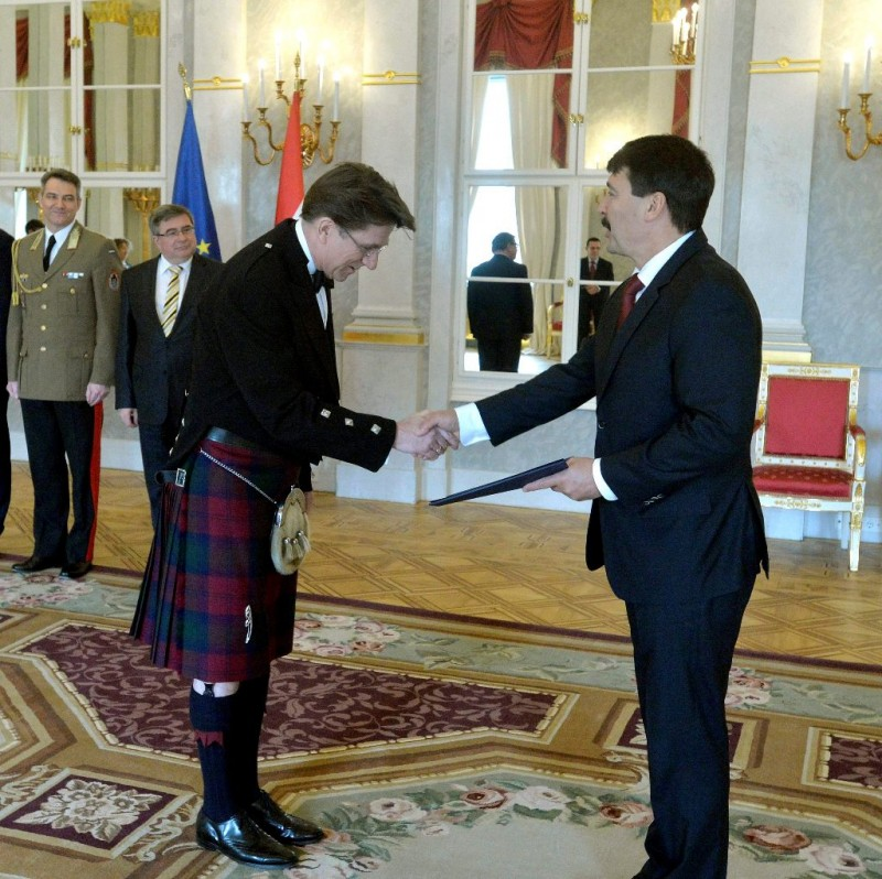 Átadta megbízólevelét az Egyesült Királyság új budapesti nagykövete