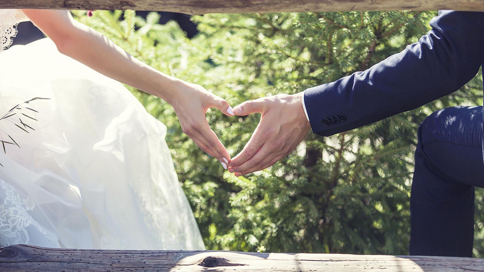 keresek francia muszlim nő esküvő)
