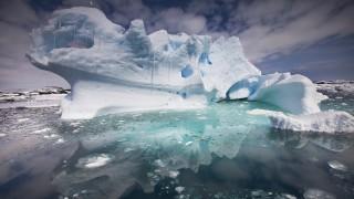 Iceberg, Penola Strait, Antarctic Peninsula, Antarctica.  Biosphoto / Minden Pictures / Colin Monteath / Hedgehog House