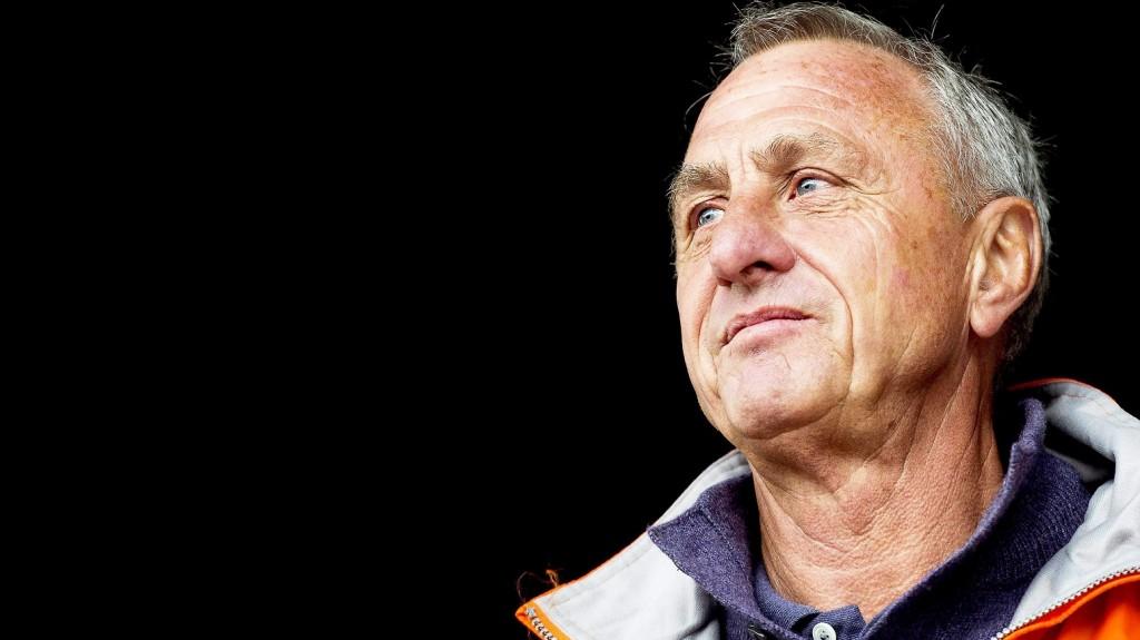 Amszterdam, 2016. március 24. 2013. május 18-án, Amszterdamban készített kép Johan Cruyff holland labdarúgóról és edzõrõl. A háromszoros BEK-gyõztes és háromszoros Aranylabdás, valamint válogatottként világbajnoki ezüst- és Európa-bajnoki bronzérmes Cruyff 2016. március 24-én, 68 éves korában elhunyt. (MTI/EPA/Koen Van Weel) *** Local Caption *** 52321656