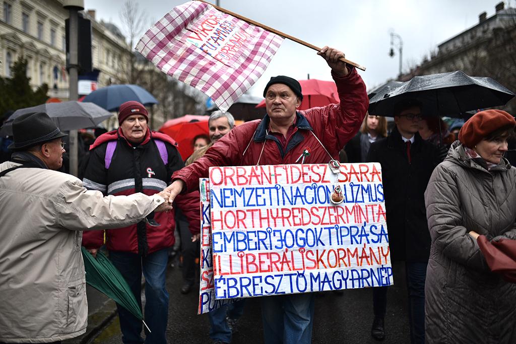 nincs heti hősies sztrájk társkereső oldal hazugok