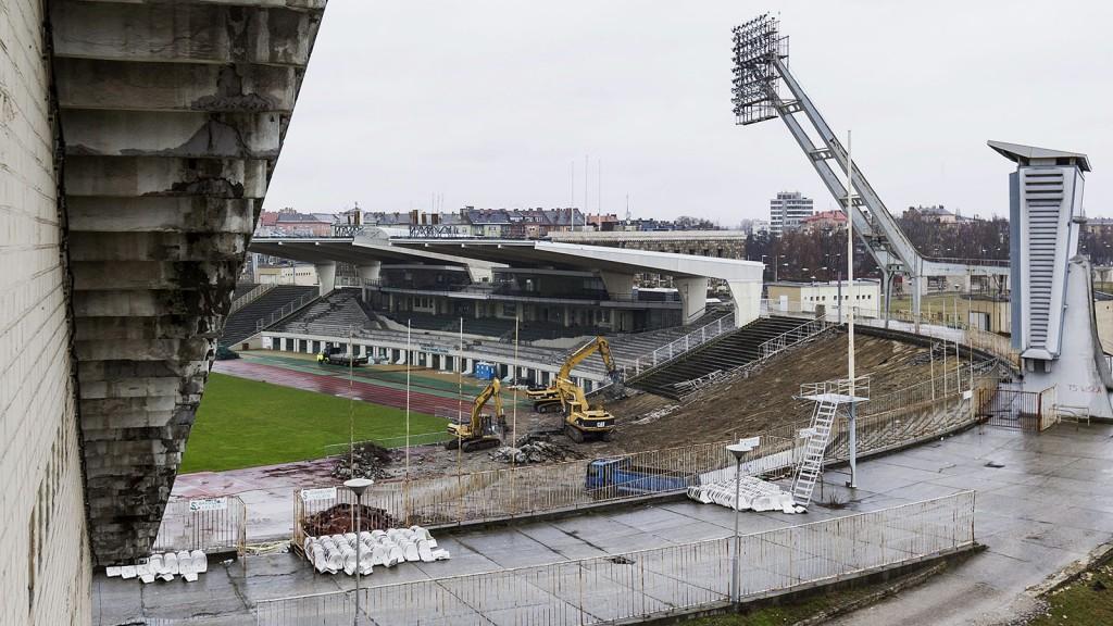 Munkagépek a Puskás Ferenc Stadion bontásán 2016. március 7f55a2de96
