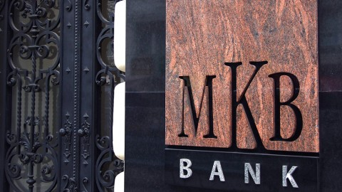 Budapest, 2016. január 27.Az MKB Bank márvány cégtáblája a központi székháza kovácsoltvas bejárati kapuja mellett a főváros V. kerületében, a Váci utca 38-ban.MTVA/Bizományosi: Jászai Csaba ***************************Kedves Felhasználó!Ez a fotó nem a Duna Médiaszolgáltató Zrt./MTI által készített és kiadott fényképfelvétel, így harmadik személy által támasztott bárminemű – különösen szerzői jogi, szomszédos jogi és személyiségi jogi – igényért a fotó készítője közvetlenül maga áll helyt, az MTVA felelőssége e körben kizárt.