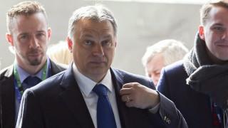 Brüsszel, 2016. március 17. Orbán Viktor miniszterelnök az Európai Néppárt, az EPP csúcsértekezletére érkezik az EU-tagországok állam- és kormányfõinek kétnapos csúcstalálkozója elõtt Brüsszelben 2016. március 17-én. (MTI/EPA/Olivier Hoslet)