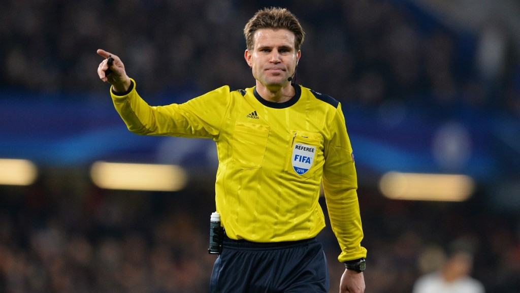 German referee Felix Brych officiates the UEFA Champions League round of 16 second leg football match between Chelsea and Paris Saint-Germain (PSG) at Stamford Bridge in London on March 9, 2016.  / AFP / GLYN KIRK