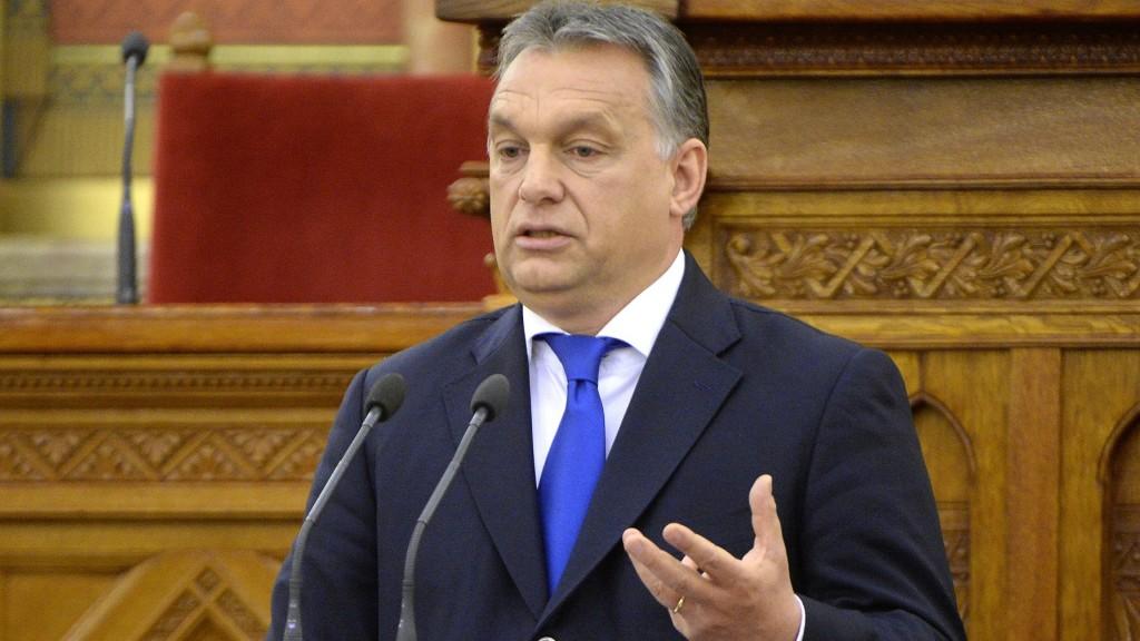 Budapest, 2016. április 25. Orbán Viktor miniszterelnök beszédet mond az alaptörvény kihirdetésének ötödik évfordulója alkalmából tartott ünnepségen az Országházban 2016. április 25-én. MTI Fotó: Kovács Tamás