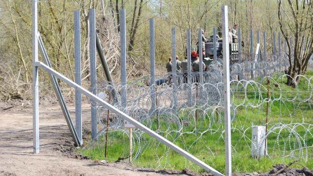 Illegális bevándorlás - Kelebia térségében is kerítés épül a határzár megerősítésére