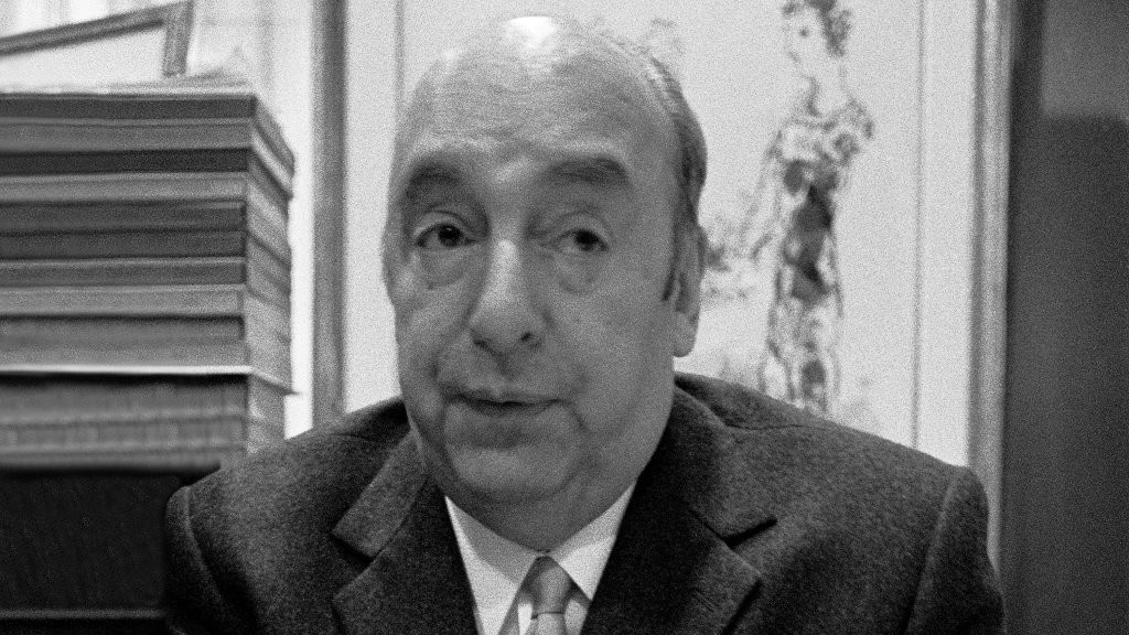 NEW YORK - MAY 5:  Poet Pablo Neruda posing for a photo on May 5, 1972 in New York, New York. (Photo by Santi Visalli/Getty Images)