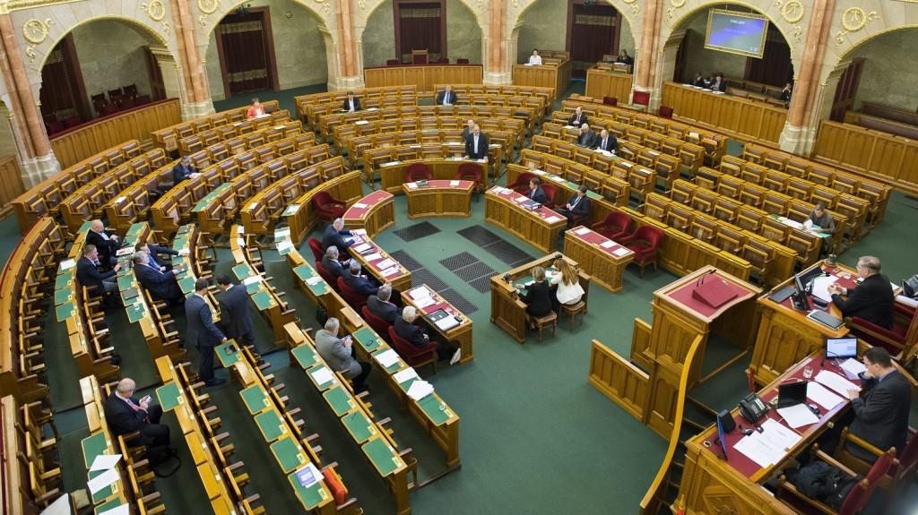 Budapest, 2016. április 26. Az Országgyûlés plenáris ülése 2016. április 26-án. MTI Fotó: Illyés Tibor