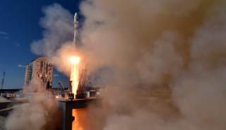 Vosztocsnij, 2016. április 28. Fellövik a Szojuz-2.1a rakétát a Vosztocsnij orosz ûrrepülõtéren 2016. április 28-án. A rakéta három, diákok és kutatók által konstruált mûholdat állít Föld körüli pályára. Az Amúr térségében kiépített Vosztocsnij ûrközpontban elõször hajtottak végre rakétastartot. (MTI/EPA pool/Kirill Kudrjavcev)