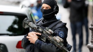 French police and members of the National Gendarmerie Intervention Group (GIGN) escort a convoy transporting a surviving member of the group that carried out Paris terror attacks suspect Salah Abdeslam to Paris courthouse for his first questioning by anti-terror judges in Paris, on May 20, 2016. Salah Abdeslam was part of the group that carried out Paris terror attacks on November 13, 2015 that killed 130 people. / AFP PHOTO / MATTHIEU ALEXANDRE