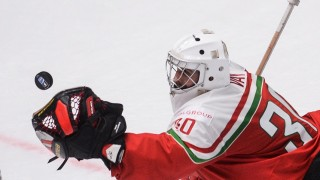 2844348 05/11/2016 Hungary's goalie Adam Vay in a group stage match of the 2016 IIHF World Ice Hockey Championship. Konstantin Chalabov/Sputnik