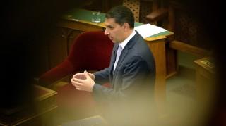 Budapest, 2016. május 2. Lázár János, a Miniszterelnökséget vezetõ miniszter felszólal a 2007-2013 közötti idõszakban Magyarországnak járó uniós források felhasználásáról szóló vitában az Országgyûlés plenáris ülésén 2016. május 2-án. MTI Fotó: Kovács Tamás