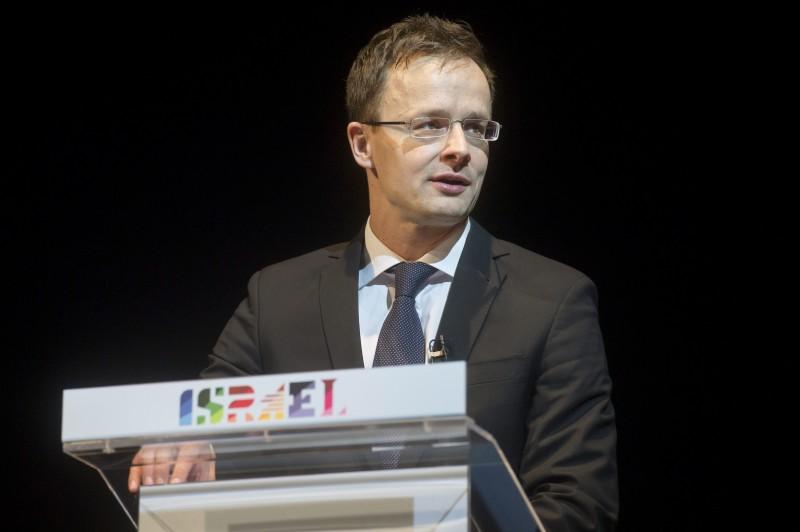 Budapest, 2016. május 12. Szijjártó Péter külgazdasági és külügyminiszter az Izrael Állam függetlenségének 68. évfordulója alkalmából rendezett ünnepségen a Vígszínházban 2016. május 12-én. MTI Fotó: Koszticsák Szilárd
